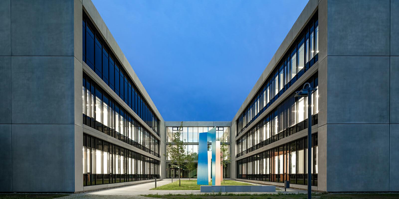 Universität Ulm, Zentrum für Quanten- und Biowissenschaften, 89081 Ulm